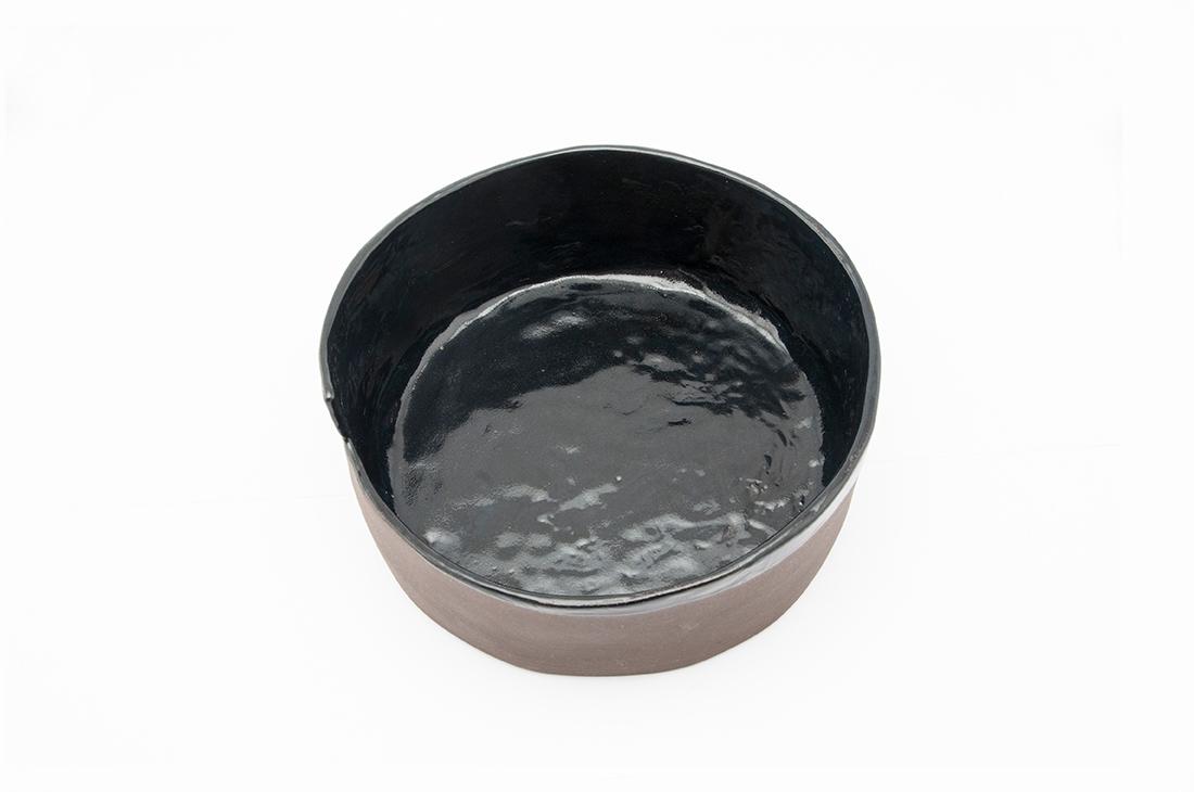contenitore smaltato nero